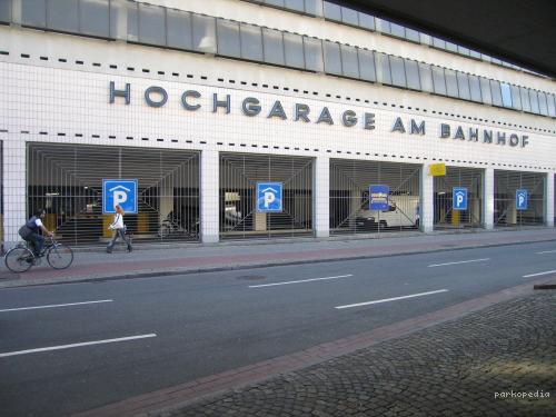 hauptbahnhof parkplatz. Black Bedroom Furniture Sets. Home Design Ideas