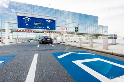 P8 Terminal 2 Parking - Flughafen Frankfurt - Parkplatz