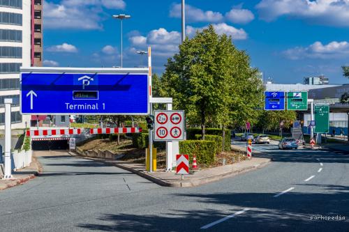 Flughafen Frankfurt - Terminal 1 P1 - Parkplatz
